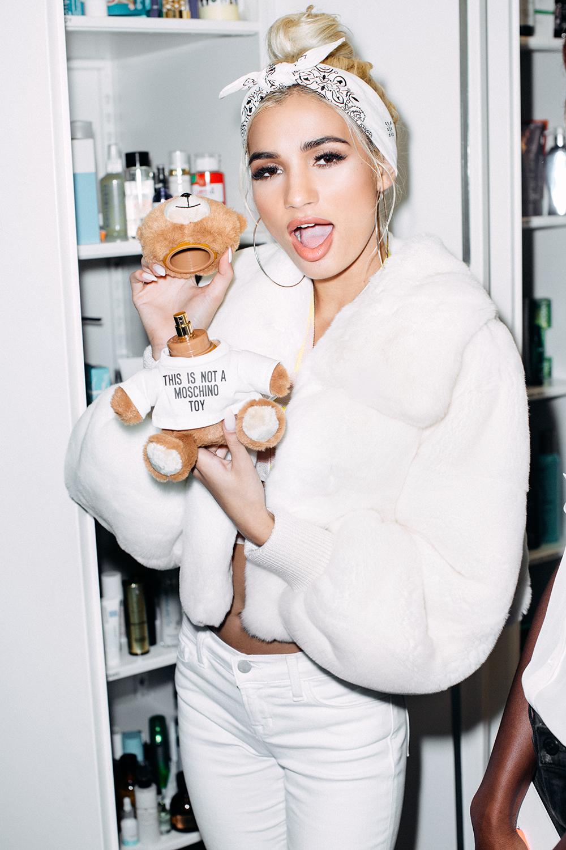 Fashion Mia Online Customer Reviews: Fashion Magazine