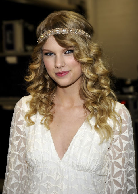 Backstage at the 2009 Academy of Country Music Awards.