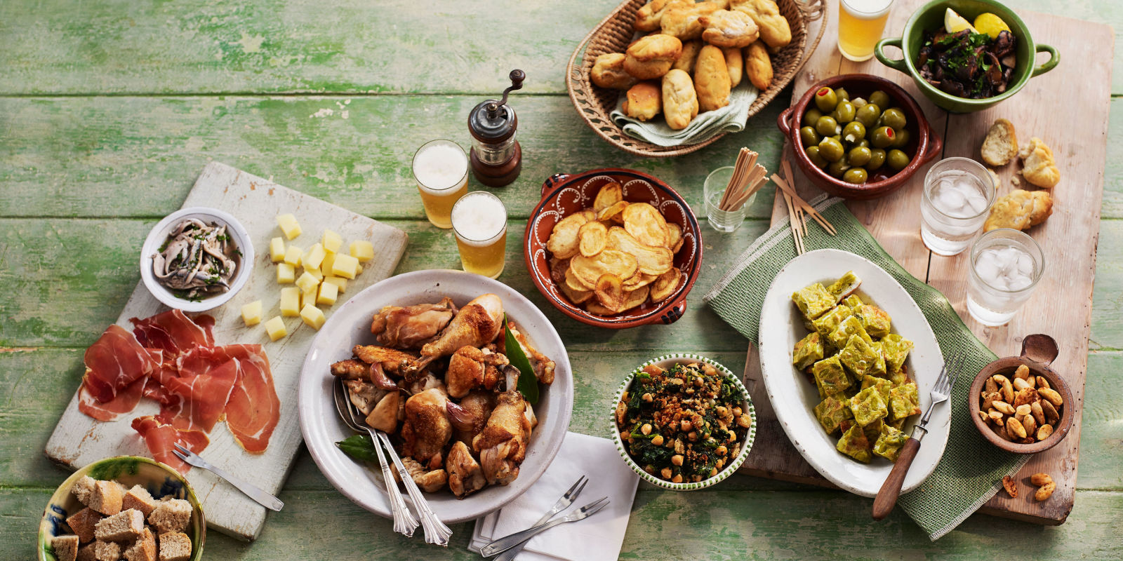 8 tips to avoid overindulging at a holiday potluck for Andalusian cuisine