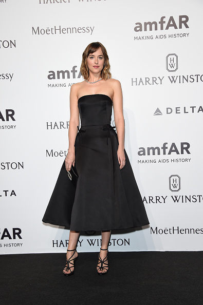 Arriving at amfAR Milano 2015 at La Permanente in Milan, Italy.