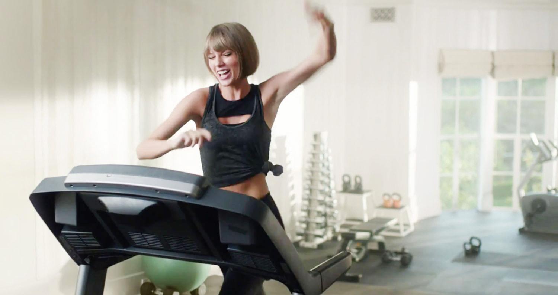 Taylor Swift Falls On Treadmill Taylor Swift Apple Music
