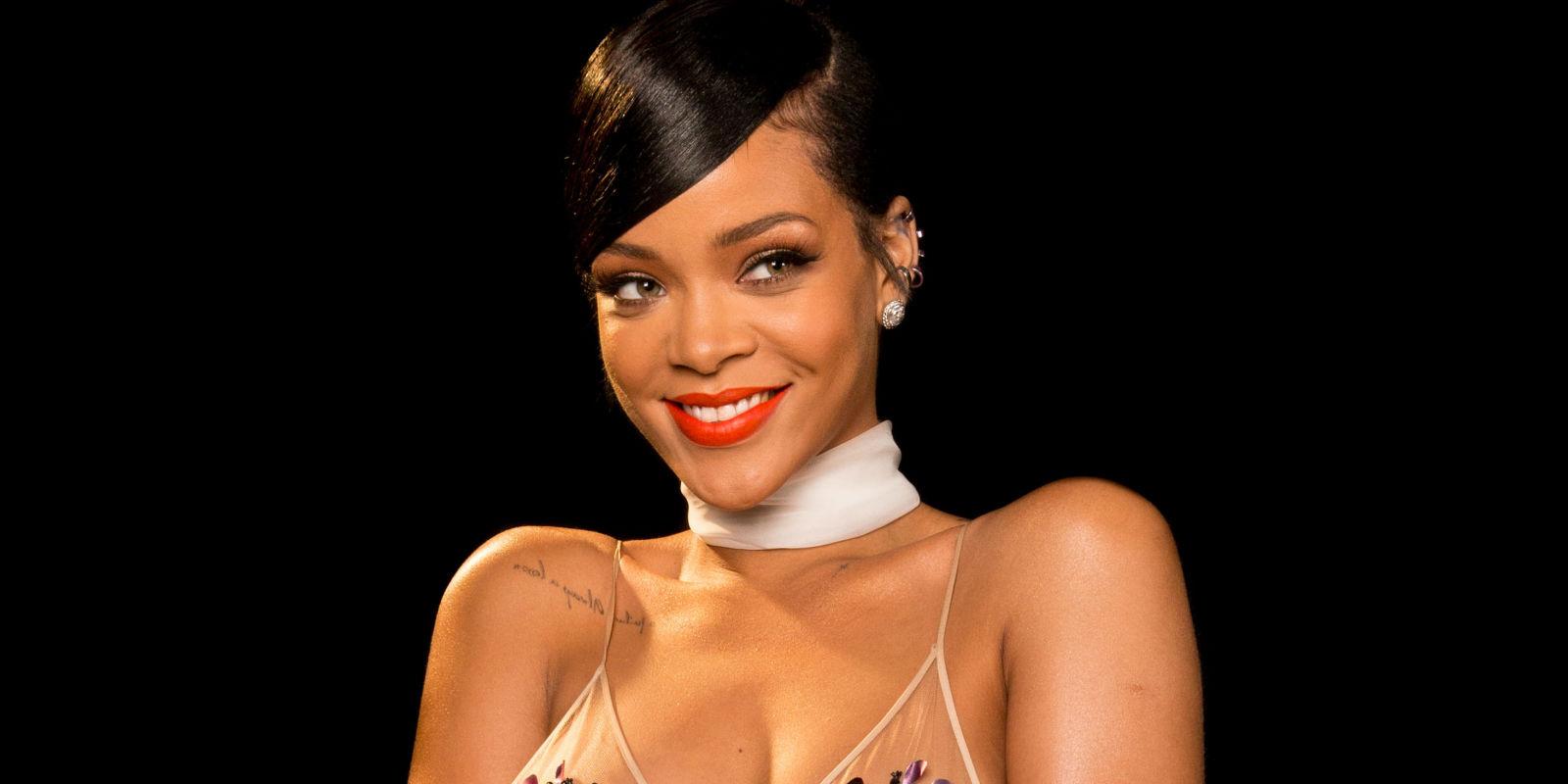 Rihanna: Rihanna Launching Makeup Line