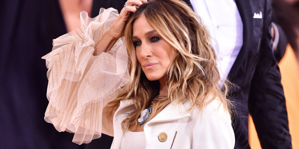 Brilliant Sarah Jessica Parker Responds To Critic Of Met Gala Outfit Sarah Hairstyle Inspiration Daily Dogsangcom