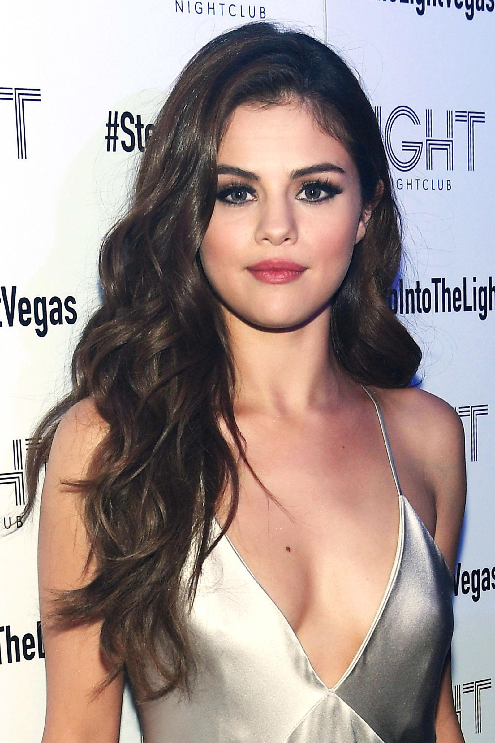 Magnificent Best Selena Gomez Hairstyles 30 Hair Ideas From Selena Gomez Short Hairstyles Gunalazisus