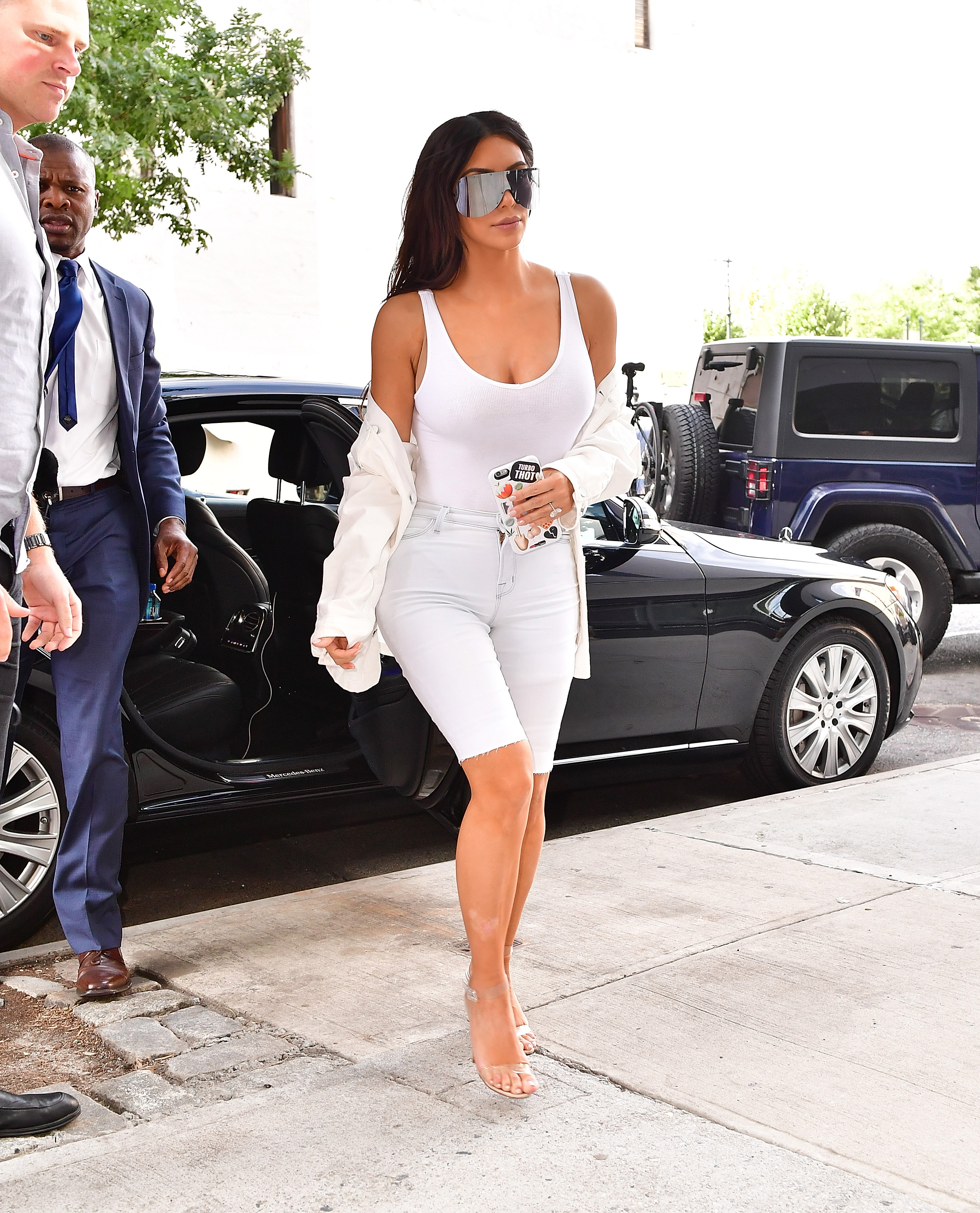 Kim Kardashian in Pencil Skirt and Open Cardigan , Kim Kardashian Fashion  Photos