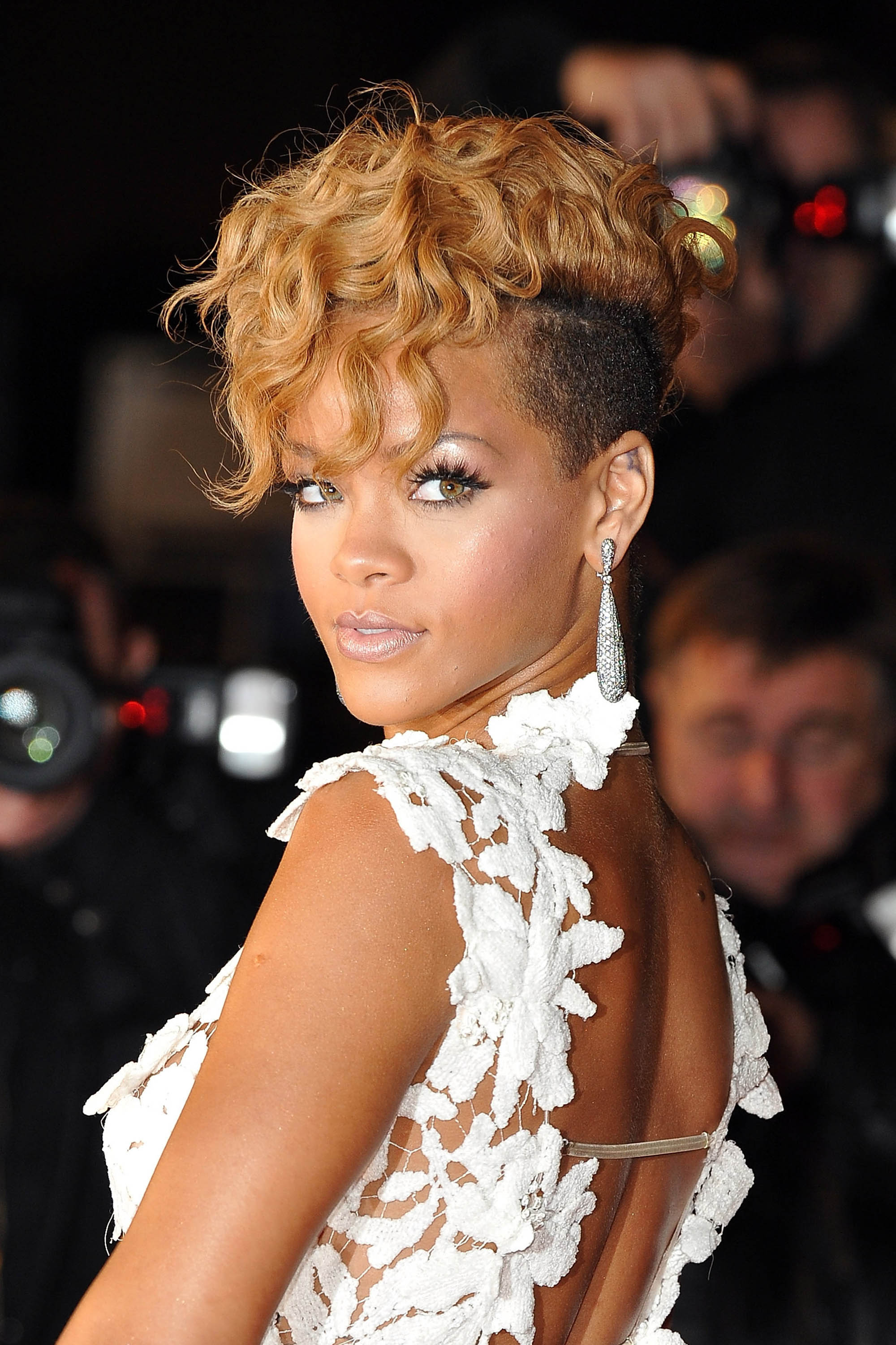 Remarkable 50 Best Rihanna Hairstyles Our Favorite Rihanna Hair Looks Of Short Hairstyles Gunalazisus