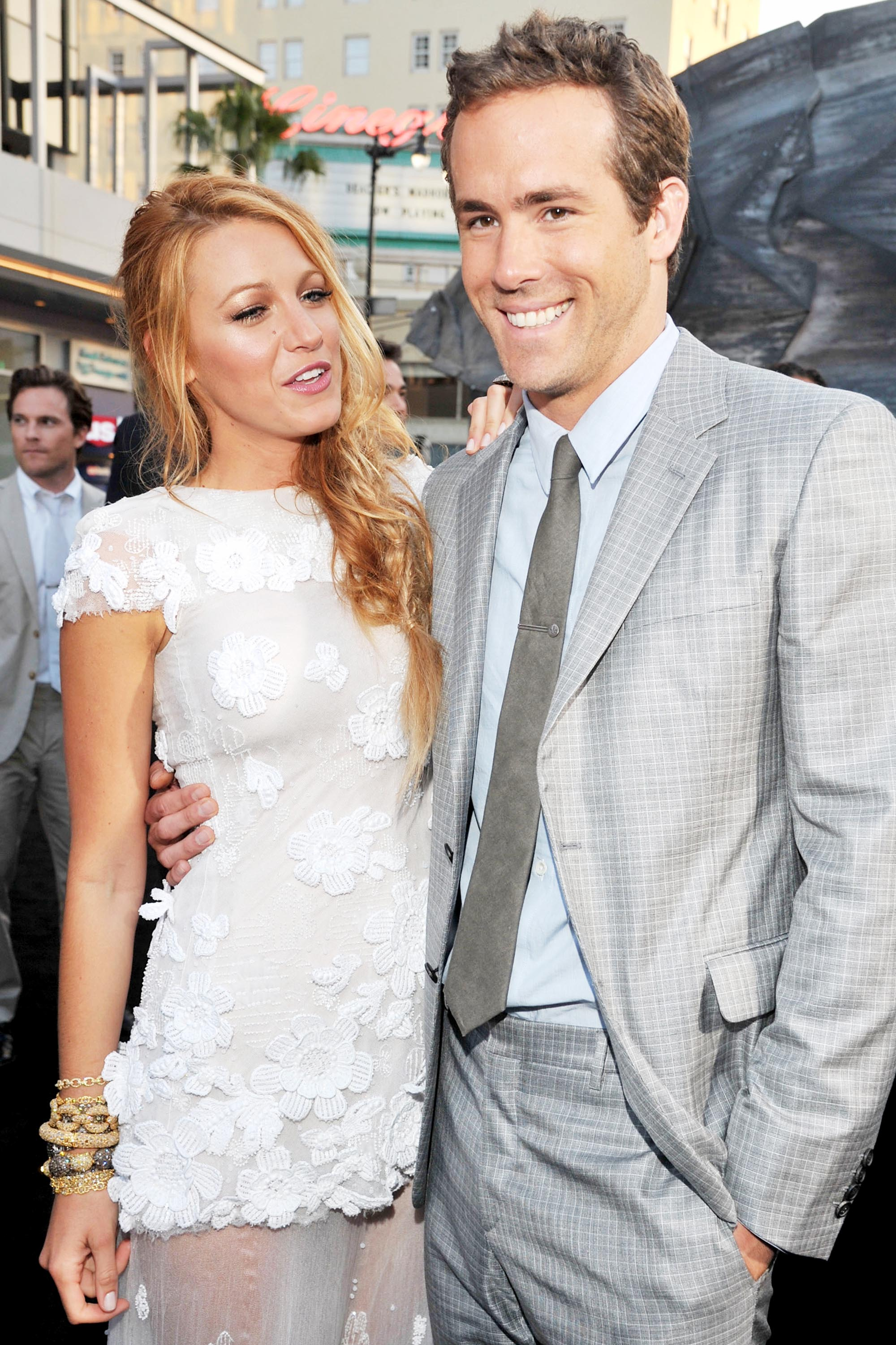 Celebrity couples who met on set - KXLY