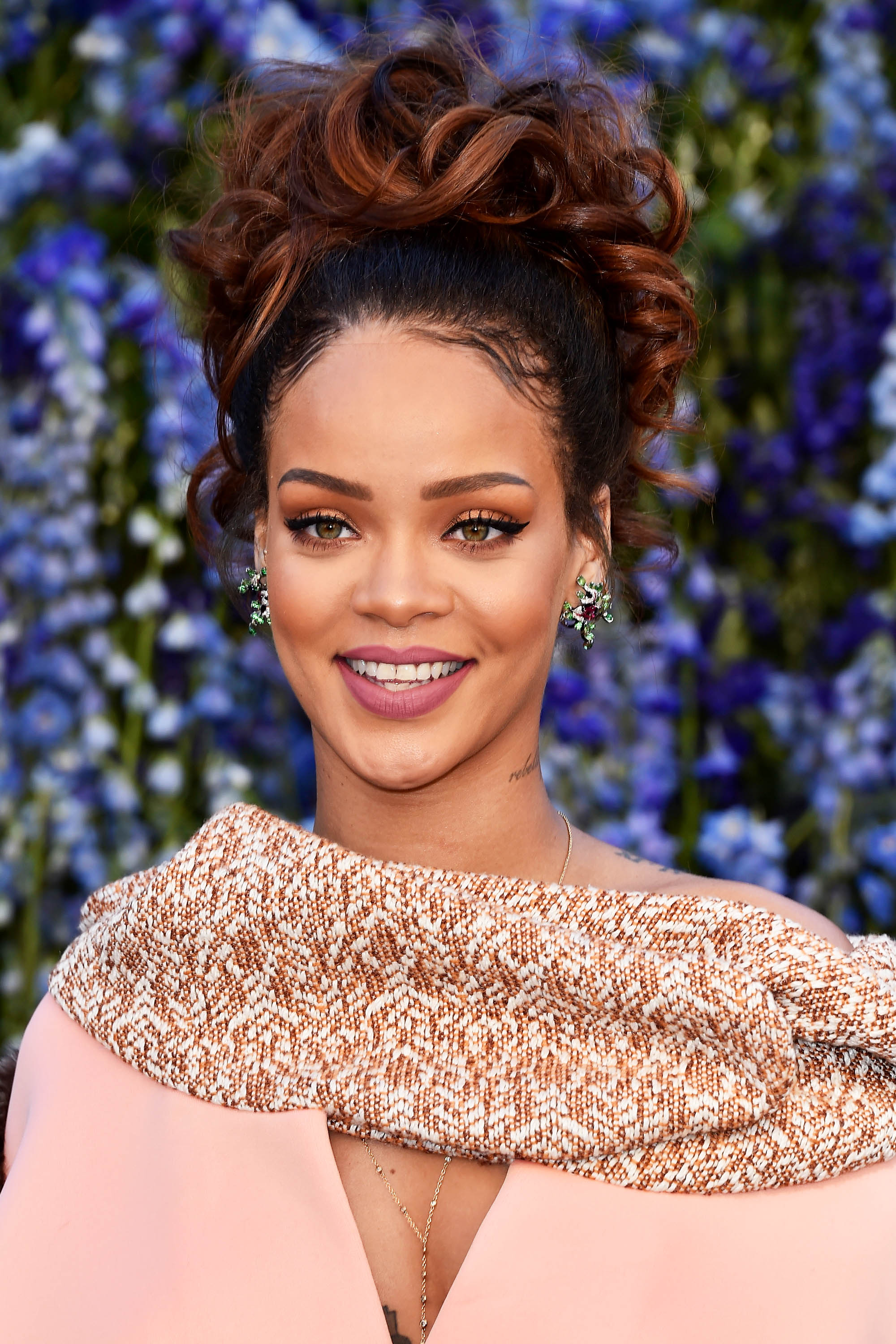 Fabulous 50 Best Rihanna Hairstyles Our Favorite Rihanna Hair Looks Of Hairstyles For Women Draintrainus