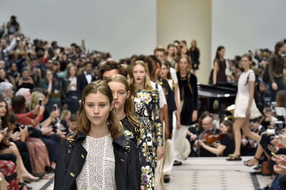 Watch the Burberry Spring/Summer 2017 Show Live Here