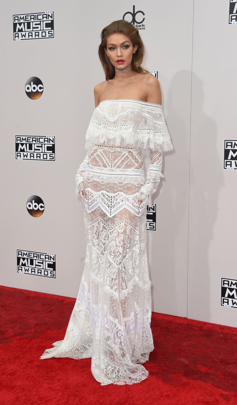 e3a74eada Every Outfit Gigi Hadid Wore at the AMAs