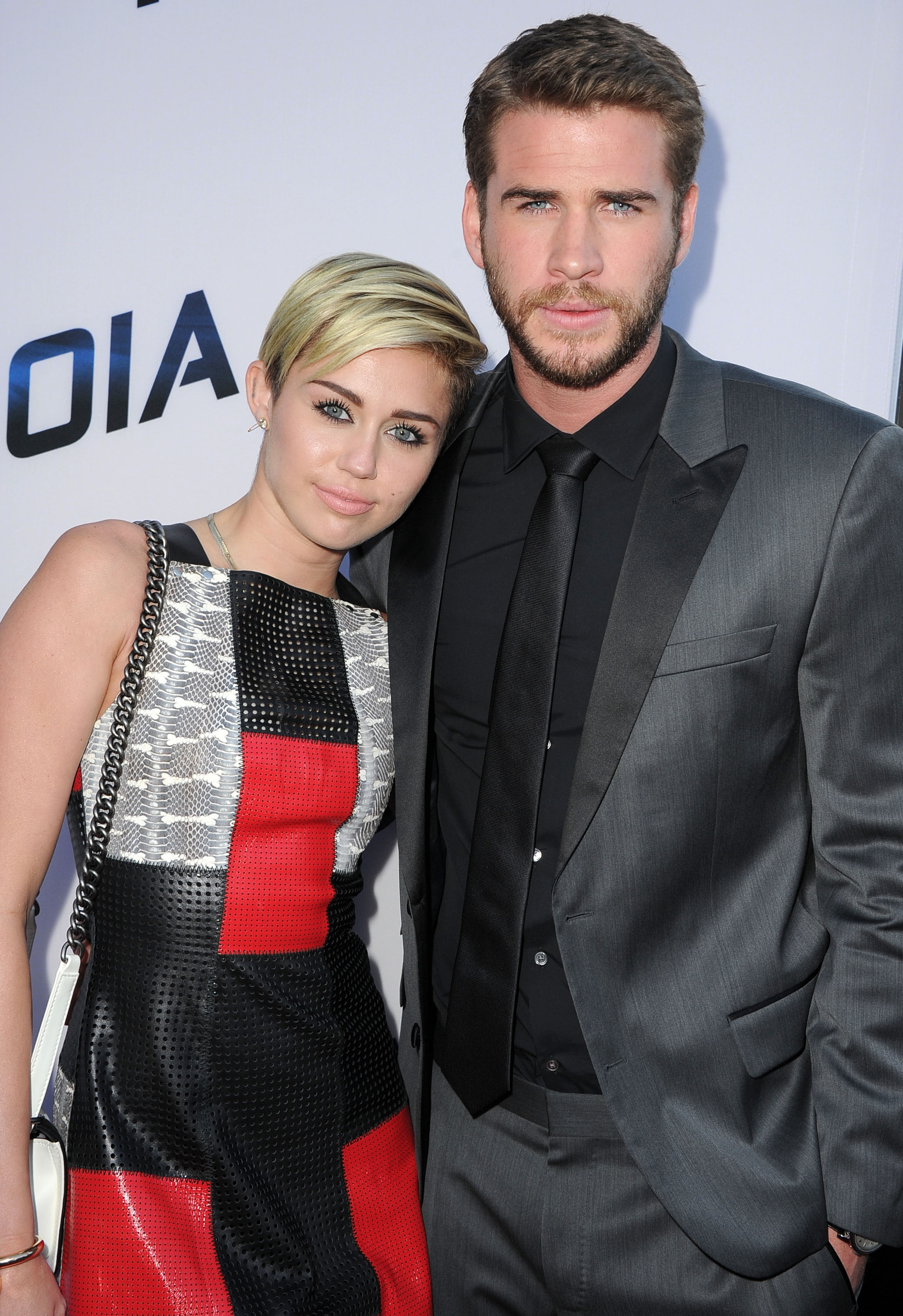 Are Miley Cyrus And Liam Hemsworth Still Dating? 'Week ...
