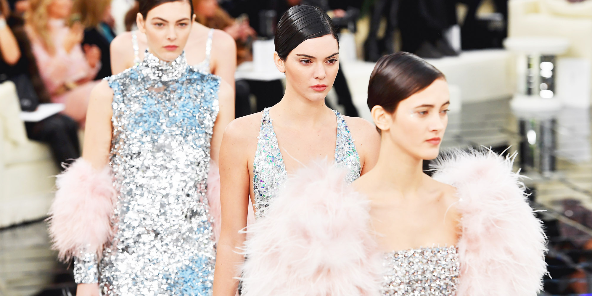 Spring 2017 Beauty Trend Report How To Wear Glitter: Chanel's Couture Spring And Summer Runway Show