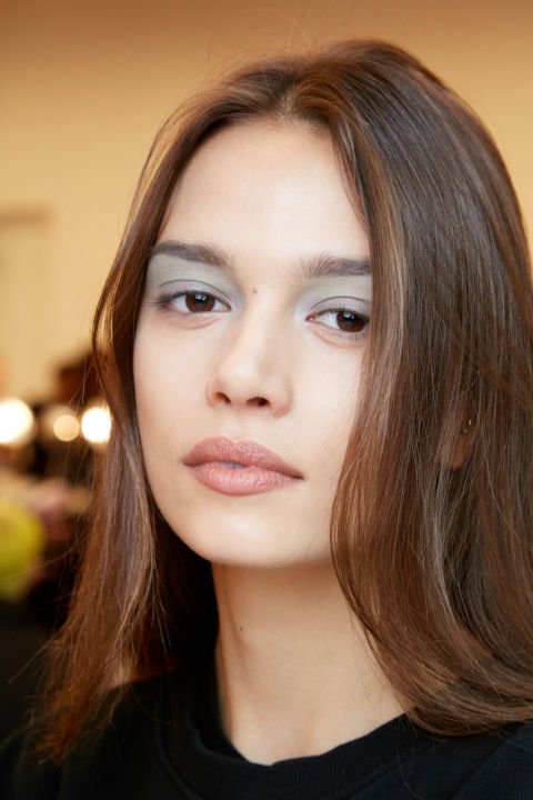 The vibe: Frosty and wintry Get the look:Starting from the brow downward, eyelidswere colored with cool-toned eyeshadows like silver and purple. The kit: Maybelline Expert Wear Eye Shadow in Purple Daze, Expert Wear Eye Shadow in NY Silver, Expert Wear Eye Shadow in Teal the Deal.