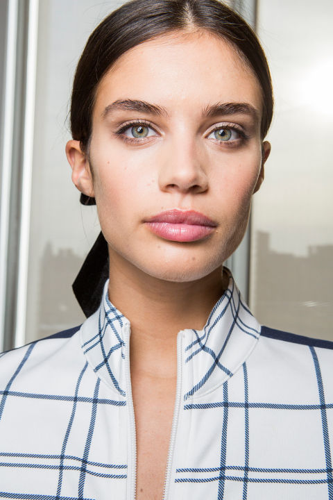 The vibe: Luminous and romantic Get the look: Lead makeup artist Diane Kendal focused on giving modelssoft and dewy skin, with a touch of gray and brown eye shadow on the lids and black eyeliner. The kit: M.A.C Trend Forecast Fall 2017 Eye Palette