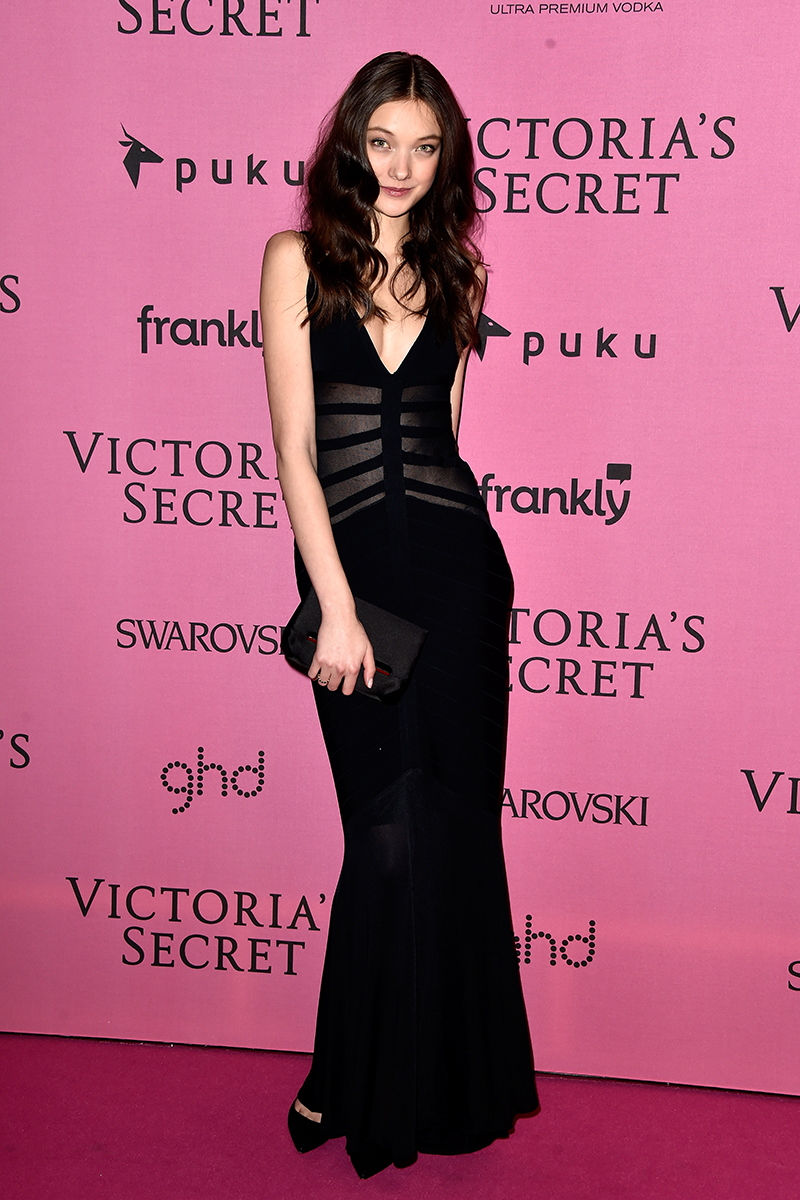 Black dress victoria secret - All The Looks From The Victoria S Secret After Party Victoria S Secret Fashion Show London