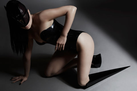 Amputee Pop Star Viktoria Modesta Doesn T Care If You Re