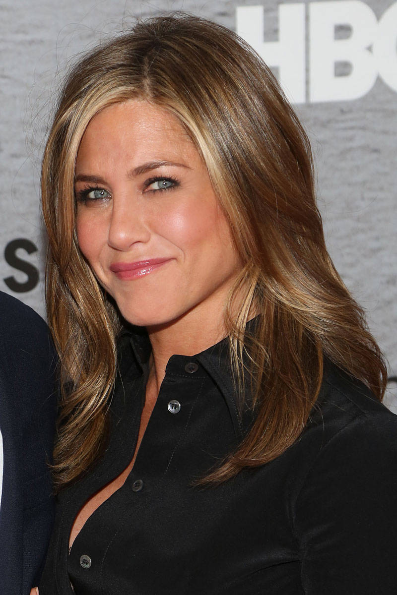 Jennifer Aniston Talks Aging Without Plastic Surgery ... Jennifer Aniston