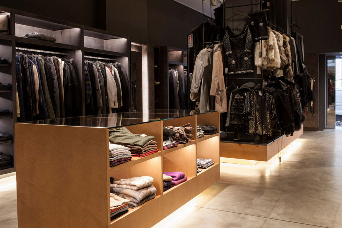 Best shopping in milano milan 39 s best boutiques for Outlet design milano