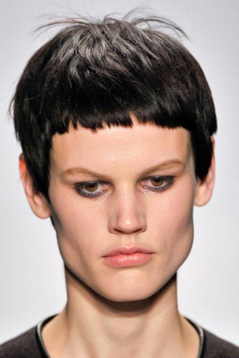 Фото стрижек женские для узкого лица