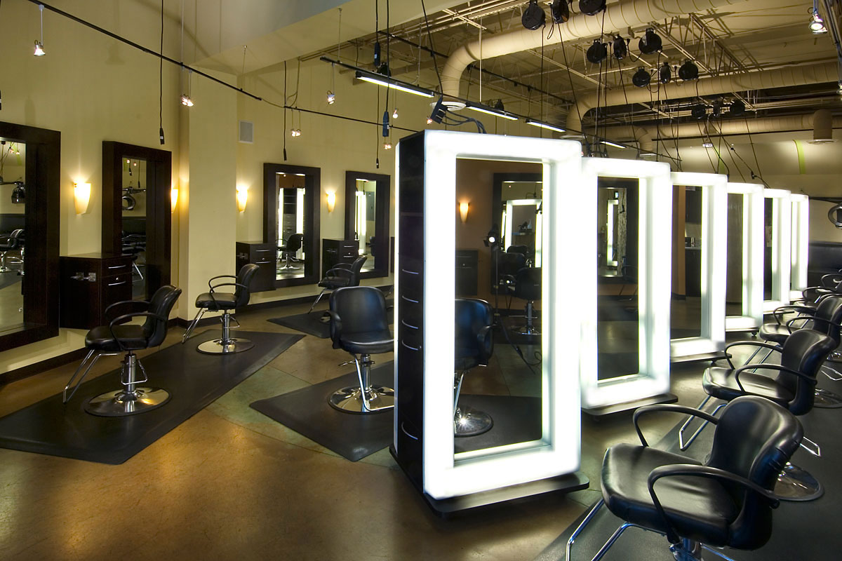 business enviroment that affect hair salons If you're looking for an industry that's thriving even during these tough economic times, look to the hair industry.