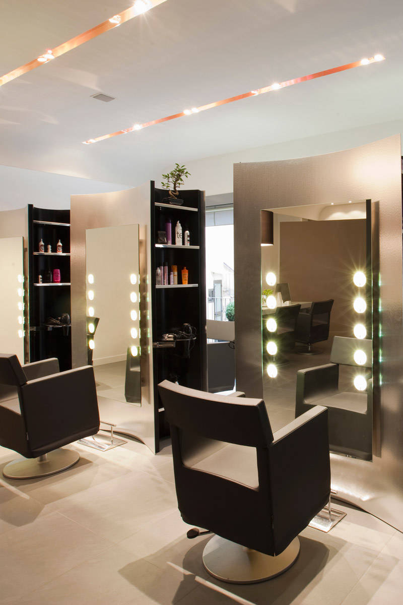The 100 best salons in the country best hair salons in for Salon decor