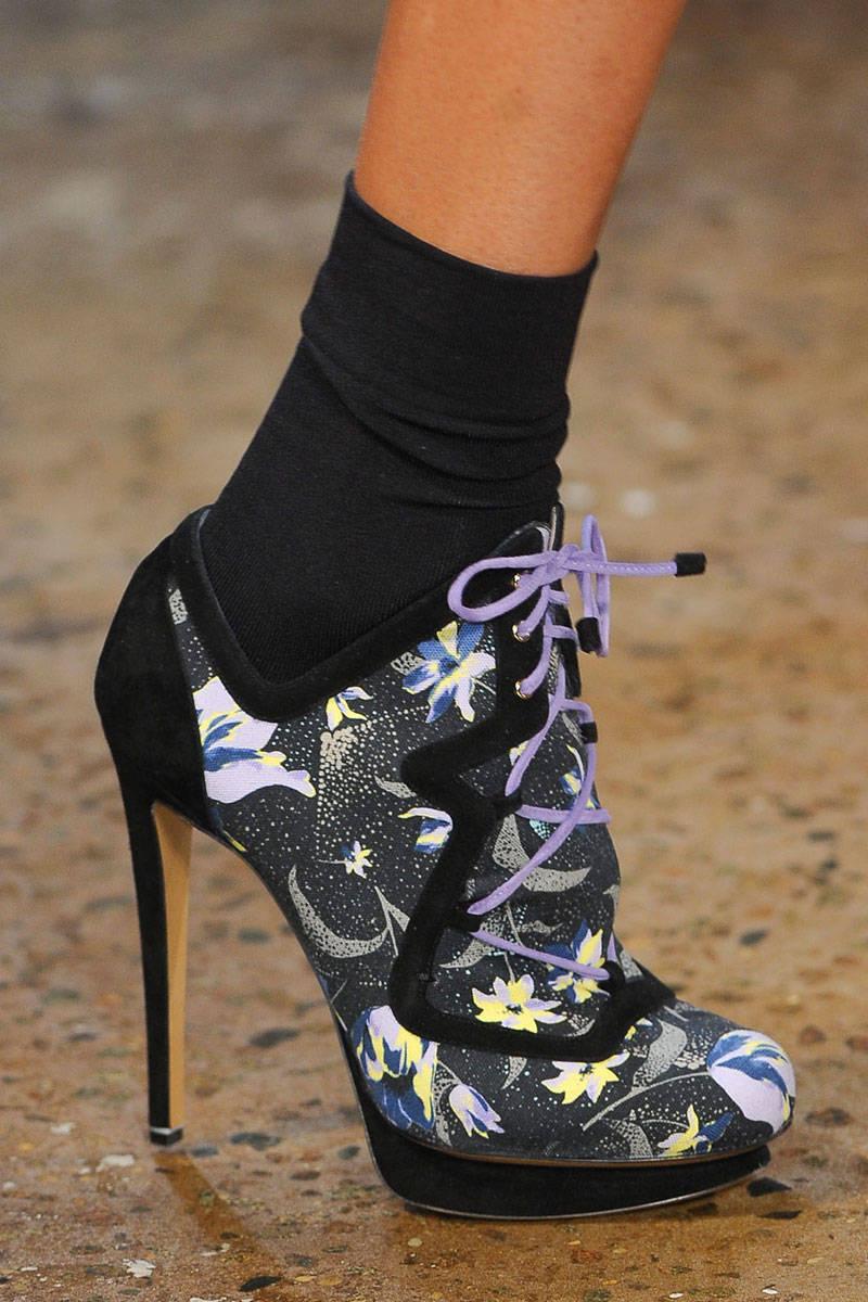 heels with socks