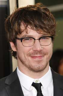 Hot Topic John Gallagher Jr 2012 Interview With John