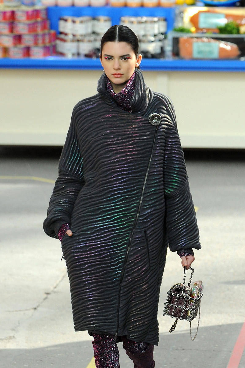 Kendall Jenner Walked Chanel- Paris - 146.7KB