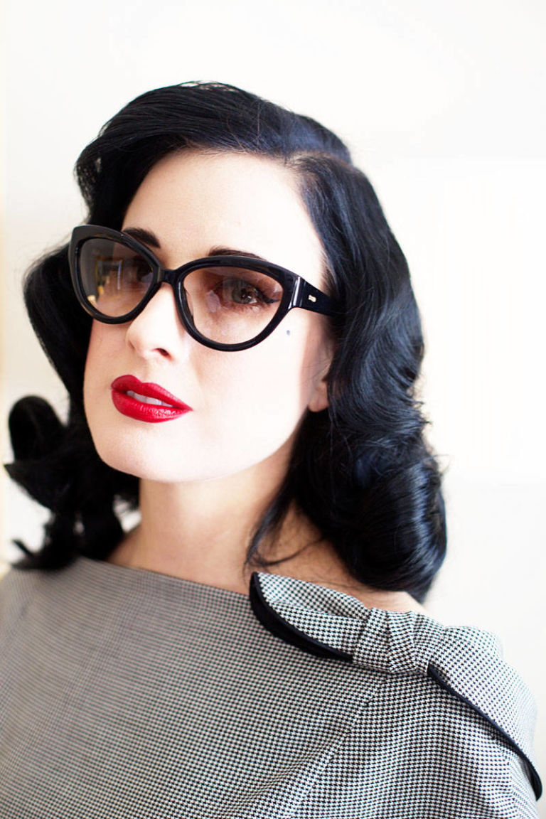 Dita Von Teese HD New frame pictures,wallpaper,resim free wallpaper
