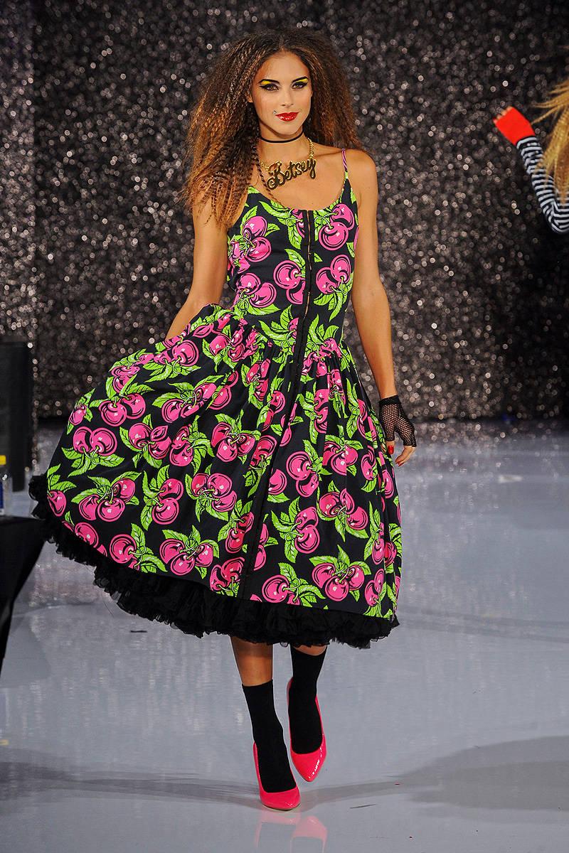 Beste Betsey Johnson Kleider Prom Fotos - Hochzeit Kleid Stile Ideen ...
