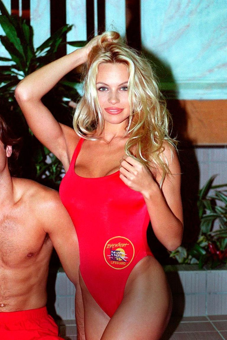 Pamela Anderson Interview - The Ultimate Blonde Bombshell
