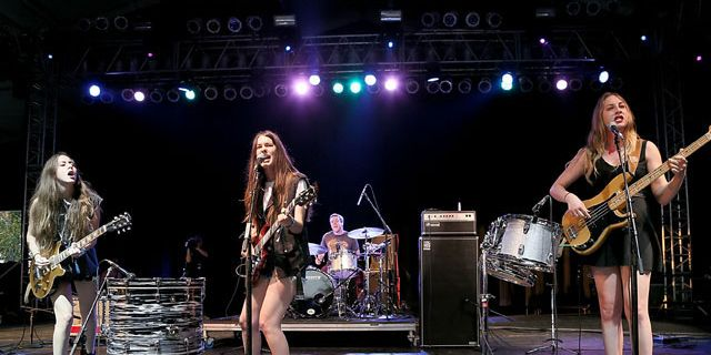 letter to your girlfriend alana haim bonnaroo 2013 haim style and 23279